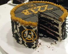 Very cool cake that I would like to possess!
