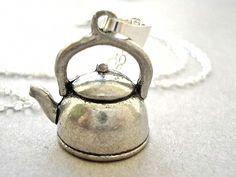 ZAUBER KESSEL - Miniatur Tee Kessel Kette Vintage von Kleines Karma - Natur & Trend Schmuck, Ketten & Colliers, Uhren, Accessoires und Geschenke aus Berlin auf DaWanda.com
