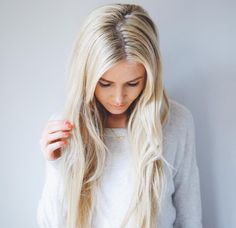 Barefoot blonde hair color
