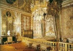 Versailles Palace and Musical Gardens with transfer from Paris Women's March On Versailles, Louis Xiv Versailles, Palace Of Versailles, Rococo, Baroque, Queen Bedroom, Queen Beds, Luís Xiv, Interior Design Guide