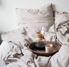 Breakfast In Bed Coffee Cups 18 Ideas Coffee In Bed, Coffee Love, Black Coffee, Coffee Cups, Coffee Coffee, Drip Coffee, Coffee Girl, Café Croissant, Espresso