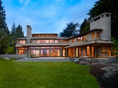 Two-story lakefront property in Seattle: Engawa House