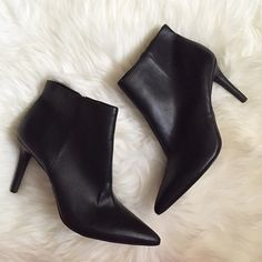 "Jessica Simpson Black Pointed Toe Booties Preloved booties, still in excellent condition with very minimal wear, minor scuff on side of one boot, also scuff on one back heel. Side zip closure. Faux leather. Heel height is 3 3/4"", shaft height is 4"", opening circumference is 10"". ❌NO TRADES OR PAYPAL❌ Jessica Simpson Shoes Ankle Boots & Booties"