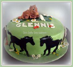 Jo's Jolly Joy taarten; Paarden taart voor Glennis,vandaag twee taarten gemaakt voor een broer en zus in dezelfde stijl, maar wel met een verschillend thema