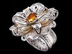 I wouldn't wear it but its pretty..