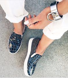 Black croc print shoes | white jeans