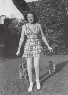 Judy Garland Pekingese dogs