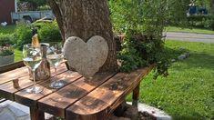 DIY puutarhapöytä omenapuun ympärillä. DIY Garden table around our appletree.