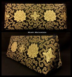 A VSilk Brocade ROZINA in gorgeous Gold and dramatic Black. ROZINA is our new Broad base #mimpimatamoon #clutch #madeinmalaysia