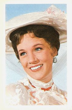 Julie Andrews - Mary Poppins - Princess Diaries - Sound of Music - Tooth Fairy Mary Poppins 1964, Julie Andrews Mary Poppins, Julie Andrews Movies, Walt Disney, Disney Love, Hollywood Icons, Old Hollywood, Child Actresses, Actors & Actresses