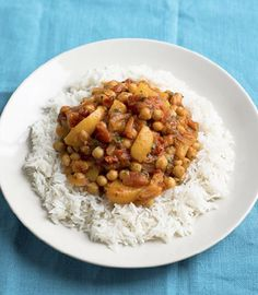 Peach and chickpea curry. This is my favourite curry, my go-to, easy but perfect comfort food. I sometimes make it with turkey, so feel free to chuck a fistful of it in with the onions if you fancy it. Serve it with plain b. Curry Recipes, Veggie Recipes, Dog Food Recipes, Vegetarian Recipes, Cooking Recipes, Healthy Recipes, Savoury Recipes, Vegan Meals, Toddler Recipes