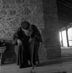 Μοναχός στα Μετέωρα, 1959 Light And Shadow, Black And White Photography, Christian, Painting, Life, Wolf, Art, Black White Photography, Art Background