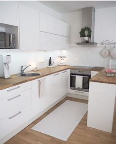 45 suprising small kitchen design ideas and decor 7 Kitchen Room Design, Home Decor Kitchen, Interior Design Kitchen, Kitchen Furniture, New Kitchen, Home Kitchens, Small Apartment Kitchen, Modern Kitchen Cabinets, Cuisines Design