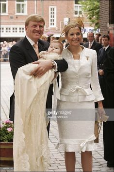 Royal Christening of Catharina Amalia of Netherlands, daughter of Prince Willem Alexander and Princess Maxima in The Hague, Netherlands on June (Photo by Alain BENAINOUS/Gamma-Rapho via Getty Images) Source by magiretwasterfall estilosos festa casamento Royal Familie, Classy Suits, Estilo Real, Queen Dress, Christening Gowns, Mothers Dresses, Queen Maxima, African Fashion Dresses, Royal Fashion