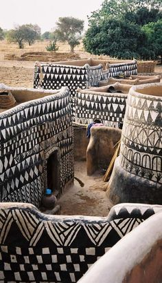 Painted dwellings in a Gurunsi village Ghana Travel Honeymoon Backpack Backpacking Vacation Budget Bucket List Wanderlust Out Of Africa, West Africa, South Africa, Beautiful World, Beautiful Places, Magic Places, Vernacular Architecture, Cultural Architecture, Africa Travel