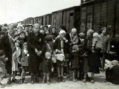 Sacaseni, Romania. In 1944, the family was deported to #Auschwitz