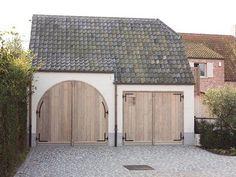 Foto: Ontzettend mooie garagedeuren!. Geplaatst door HildeuithetBroek op Welke.nl