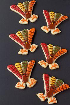 Cute Turkey Cookies via thebearfootbaker.com