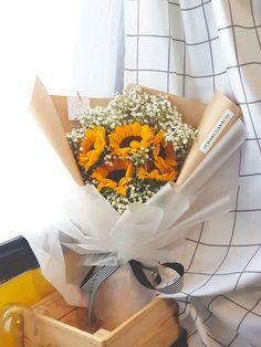 Hello Sunshine Bouquet Boquette Flowers, How To Wrap Flowers, Beautiful Bouquet Of Flowers, Happy Flowers, Bunch Of Flowers, Pretty Flowers, Bouquet Box, Bouquet Wrap, Sunflower Bouquets