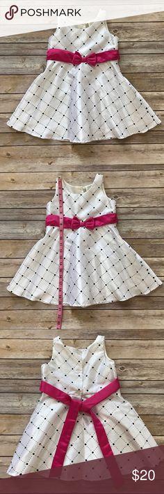 Dress in silk for little girls Dress in silk for little girls 24 months in good condition Dresses Formal