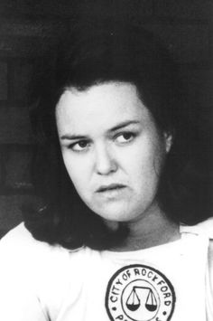 Rosie O'Donnell as Doris Murphy ( third base) ~ A League of Their Own ~ Movie Stills ~ 90s Movies, Iconic Movies, Classic Movies, I Movie, Jon Lovitz, Rockford Peaches, Curtis Granderson, Penny Marshall, Rosie Odonnell