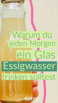Deshalb solltest du jeden Morgen ein Glas Essigwasser trinken Although it sounds funny, cider vinegar in the morning has many benefits for our health. Healthy Dinner Recipes For Weight Loss, Weight Loss Drinks, Weight Loss Smoothies, Healthy Tips, Turmeric Water, Water For Health, Bebidas Detox, Natural Colon Cleanse, Baking Soda Shampoo
