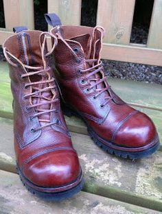 STEFANO'S VINTAGE & RETRO: William Lennon boots