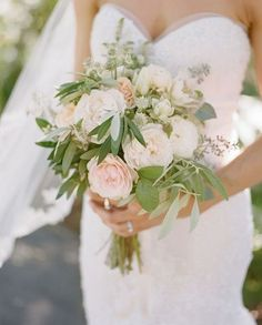 Love this bouquet! Check out www.willdaytripfordonuts.com for more floral inspiration