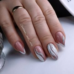 Here is a tutorial for an interesting Christmas nail art Silver glitter on a white background – a very elegant idea to welcome Christmas with style Decoration in a light garland for your Christmas nails Materials and tools needed: base… Continue Reading → Popular Nail Designs, Creative Nail Designs, Nail Art Designs, Mauve Nails, Purple Nails, Pretty Nails, Fun Nails, Purple Nail Designs, Nail Art Blog