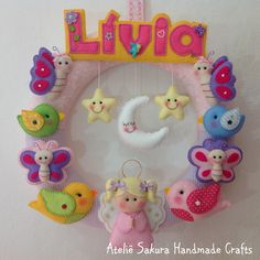 Guirlanda Porta de Maternidade personalizado para a Lívia