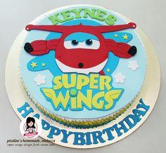 Super wings design fresh cream cake
