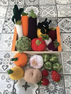 Crochet Amigurumi, Crochet Food, Crochet Crafts, Confection Au Crochet, Play Food, Educational Toys, Sewing Projects, Creations, Fruit