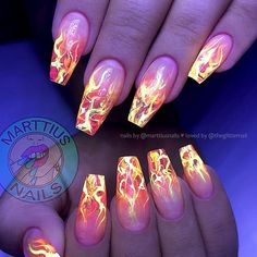 Glow-in-the-Dark Fire Nails Nail Artist: Naildesign Best Acrylic Nails, Summer Acrylic Nails, Acrylic Nail Designs, Nail Art Designs, Summer Nails, Dark Nail Designs, Spring Nails, Nails Design, Perfect Nails