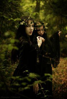 Lara and Lyra, the driad sisters