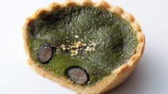 宇治抹茶黒豆の和のプリンタルトプリンモロゾフから--華やかな金箔をトッピング