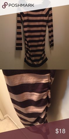 Derek Heart Tunic/Dress Brown striped super stretchy material side ruched dress/tunic. From collar to hem measure 31 1/2 inches un-stretched.  Great condition. Would work great with leggings. Derek Heart Tops Tunics