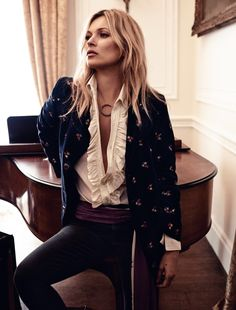 A estonteante roqueira Kate Moss – Fragmentos de Moda