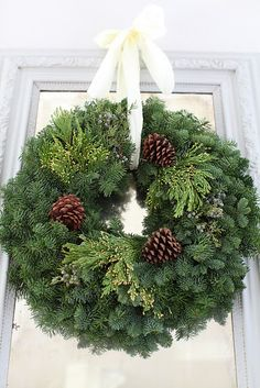 Dreamy Whites: Dreamy Whites Online Shop Gift Card Giveaway and Wintersteen Farms Wreath Giveaway Christmas Giveaways, Noel Christmas, White Christmas, Christmas Crafts, Christmas Decorations, Xmas, Holiday Decor, Fresh Christmas Wreaths, Fresh Wreath