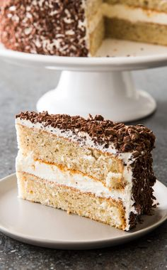 Swiss Hazelnut Cake: This sweet, nutty, tender cake is famous in Philadelphia. Baking Recipes, Cake Recipes, Dessert Recipes, Just Desserts, Delicious Desserts, Fete Emma, Funnel Cakes, Marshmallow Creme, Marshmallow Frosting
