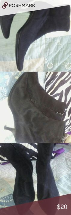 NEW NORDSTROM ANKLE BOOTS BLACK 6 1/2 *EVERYTHING MUST GO IM MOVING AND CAN'T TAKE IT ALL SO IM CUTTING PRICES ON EVERYTHING!$* LIKE NEW BLACK SUEDE NORDSTROM ANKLE BOOTS CUTE PUMPS ZIP UP THE SIDE FOR EASY WEAR. SIZE 6 1/2 W. Nordstrom Shoes Ankle Boots & Booties