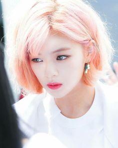 Jeongyeon sweetheart 😍😘😘😚