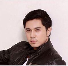 Paulo  Avelino (ctto) Paulo Avelino, Half Filipino, Baguio City, Star Magic, Austin Butler, Fashion Models, Abs, Singer, Actors