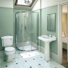Get inspired to make over your bathroom with these gorgeous before and after bathroom remodeling photos and simple, clever tips.  Tags; #bathroomdecor #BathroomLighting #bathroom #bathroomremodel #bathroominspiration