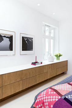 Bedroom in Bonytt Furniture from CK&I Photo: Niklas Hart Walk In Wardrobe, Kitchen Interior, Bespoke, Shelving, Kitchens, Cabinet, Interior Design, Bedroom, Storage