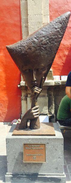"""""""La Reflexión"""" de Sergio Bustamante en Tlaquepaque - Guadalajara - México"""