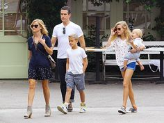 Um, Reese Witherspoon and her daughter Ava look like TWINS! Check 'em out, both rockin' trendy sunnies, during a family outing!