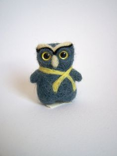 Needle felted pocketminiature owlbrooch or pin if you wish-Valentine. EUR) by AnnaRyasnova Softies, Plushies, Felt Brooch, Felt Toys, Needle Felting, Owl, Miniatures, Bird, Trending Outfits