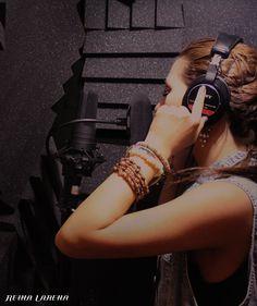 Reina Larena レコーディング風景    http://www.mikigakki.com/category/AT4050ST/rc/c63060200000/b/o/p/details.php?Brd_Id=37
