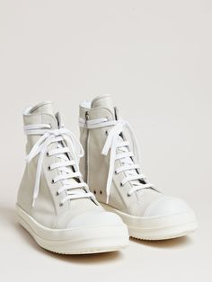 Rick Owens Men's High Top Sneakers Men's High Top Sneakers, Casual Sneakers, White Sneakers, Mens Fashion Shoes, Fashion Black, Street Fashion, High Fashion, Men's Fashion, Dad Shoes