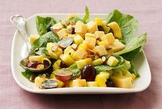 Mantelinen hedelmä-juustosalaatti